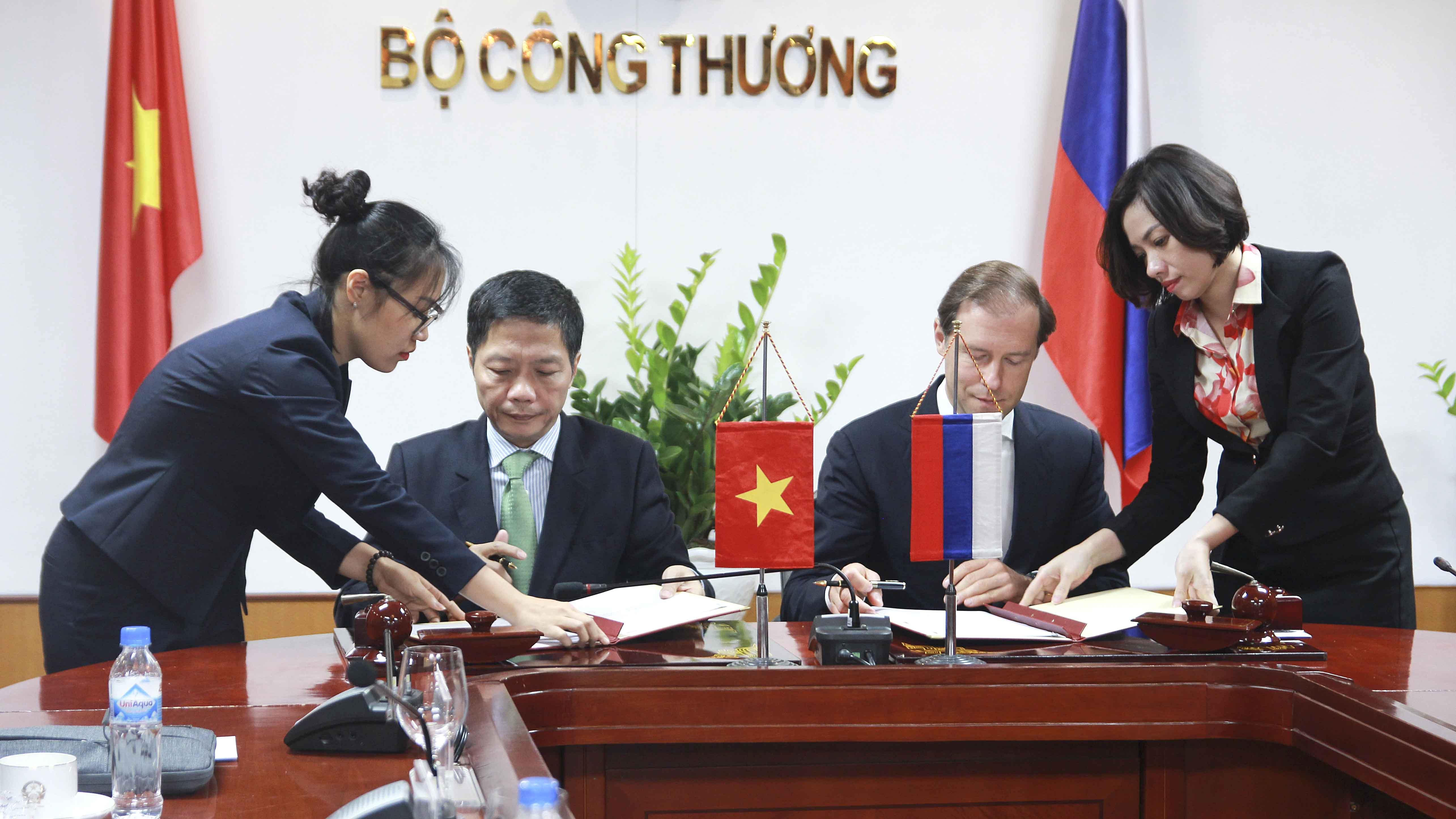 Bộ trưởng Bộ Công Thương Việt Nam tiếp Bộ trưởng Công Thương LB Nga