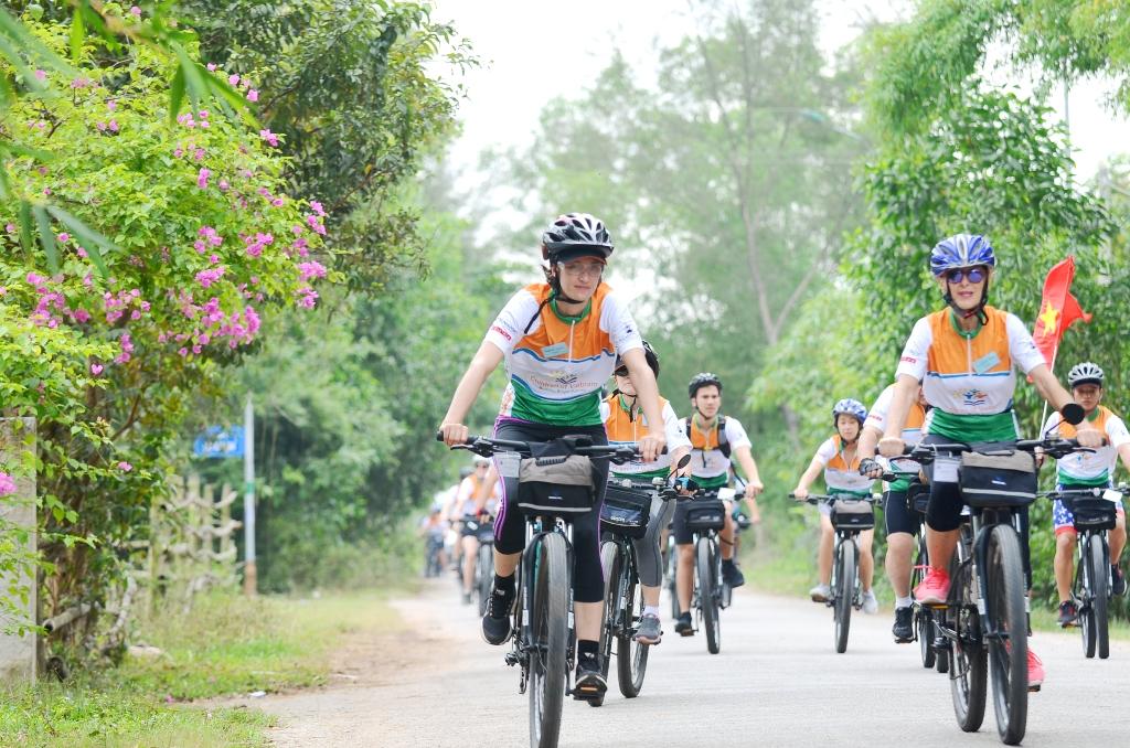 Thừa Thiên - Huế: Đạp xe gây quỹ cho trẻ em nghèo Việt Nam