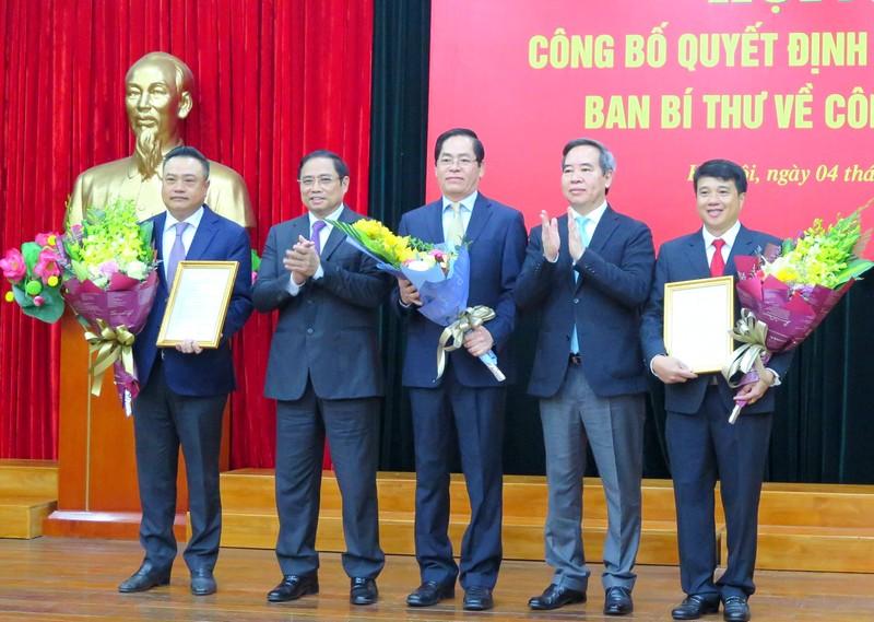 Đồng chí Y Thanh Hà Niê Kđăm giữ chức Bí thư Đảng ủy Khối Doanh nghiệp Trung ương