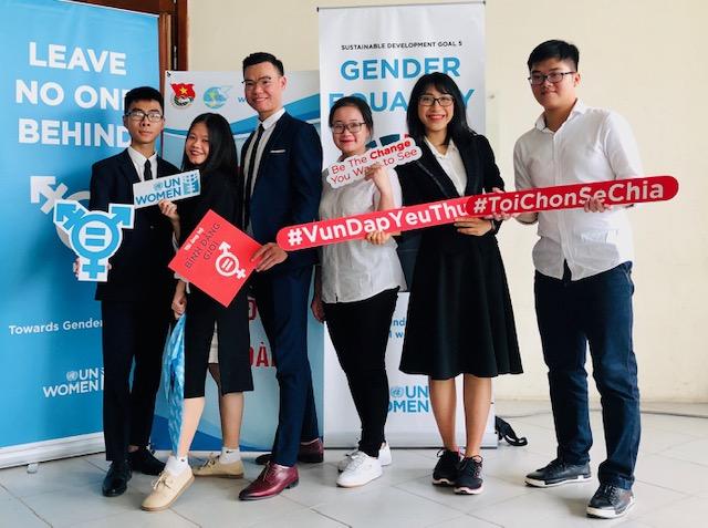 Đối thoại sinh viên về bình đẳng giới và an toàn cho phụ nữ và trẻ em