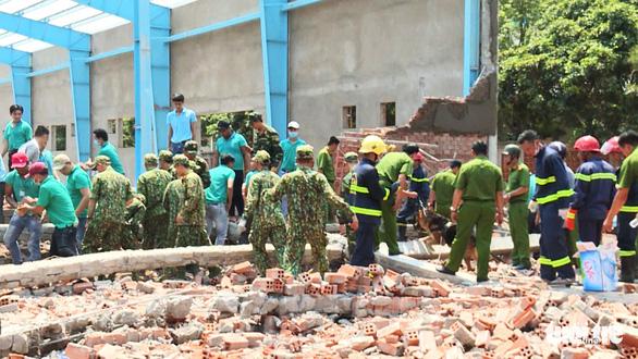 Khởi tố vụ sập tường nhà xưởng làm 8 người thương vong tại Vĩnh Long