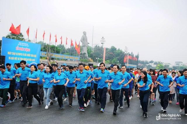 """Nghệ An: Hơn 1.800 người tham gia """"Ngày chạy Olympic vì sức khỏe toàn dân"""""""