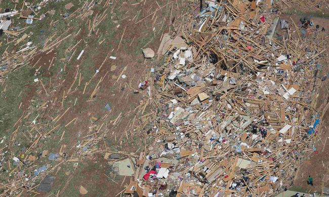 Lốc xoáy càn quét miền Nam nước Mỹ, nhiều người thiệt mạng