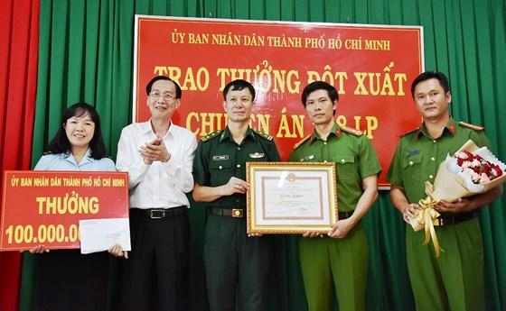 TP Hồ Chí Minh khen thưởng Ban chuyên án phá đường dây mua bán, vận chuyển 300 kg ma túy