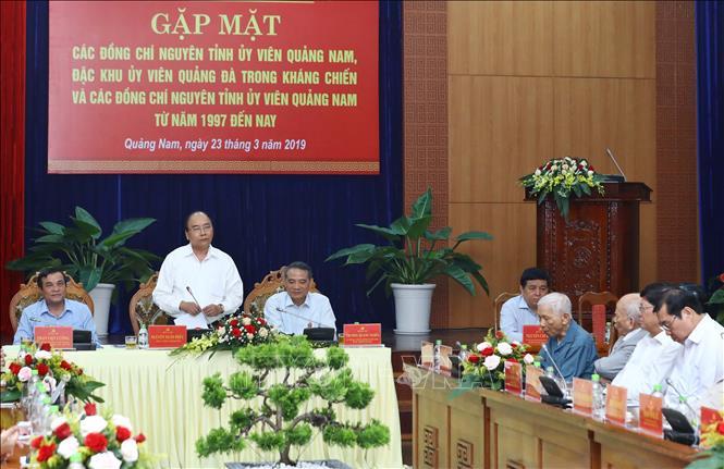 Thủ tướng gặp mặt nguyên cán bộ lãnh đạo tỉnh Quảng Nam và thành phố Đà Nẵng