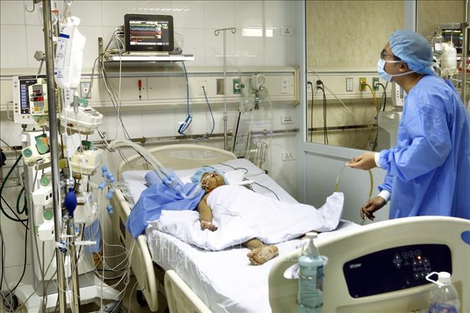 Lần đầu tiên gan của người hiến được ghép cho hai bệnh nhân