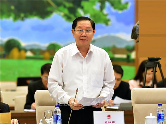 Thông qua Nghị quyết về sắp xếp các đơn vị hành chính cấp huyện, xã giai đoạn 2019-2021