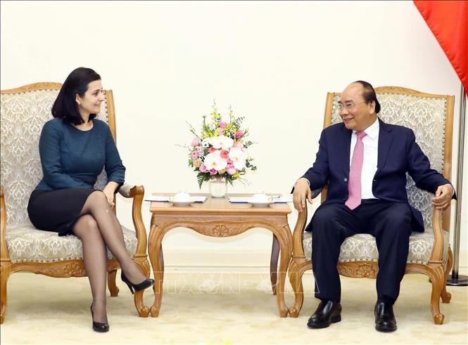 Thủ tướng Nguyễn Xuân Phúc tiếp Đại sứ Bulgaria và Đại sứ Uruguay tại Việt Nam