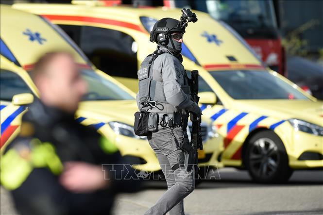 Vụ xả súng tại Hà Lan: Hạ mức độ đe dọa khủng bố