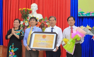 Công bố quyết định và đón nhận Bằng Di tích lịch sử cấp tỉnh Điểm cao 1015 – 1049