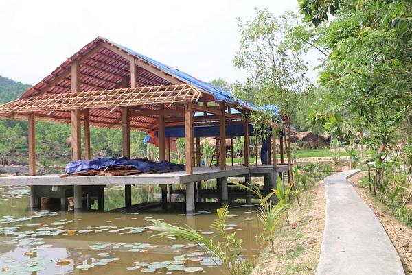 """Nhiều hạng mục của khu nghỉ dưỡng """"chui"""" ở Quảng Nam vẫn chưa được dỡ bỏ"""