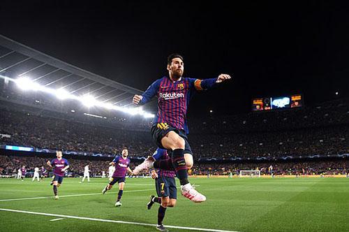 Messi tỏa sáng, Barca loại M.U khỏi Champions League