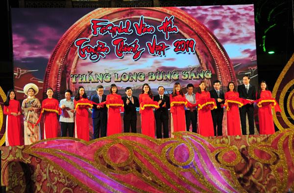 Kết nối tinh hoa văn hóa Việt với bạn bè quốc tế