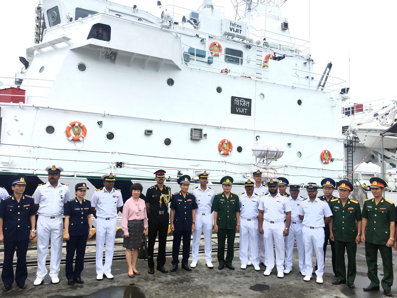Tàu tuần tra lực lượng bảo vệ bờ biển Ấn Độ thăm Đà Nẵng
