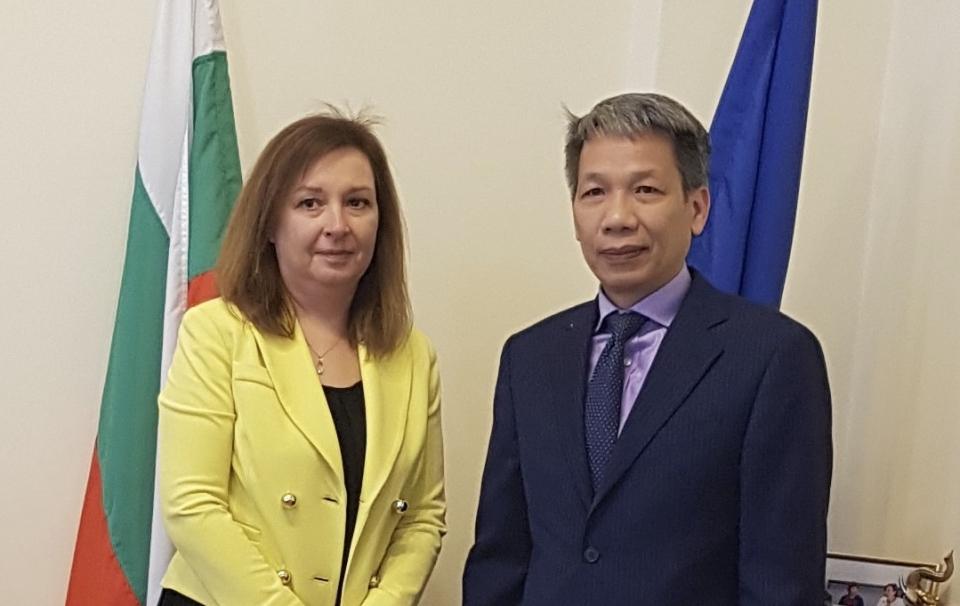 Thúc đẩy hợp tác lao động giữa Việt Nam và Bulgaria