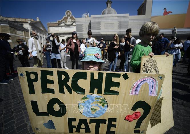 Biểu tình chống biến đổi khí hậu tại Italy
