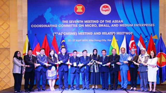 Hiện thức hóa chính sách, chương trình, hành động hỗ trợ doanh nghiệp nhỏ và vừa ASEAN phát triển