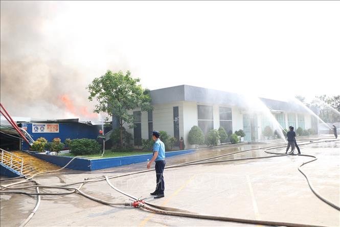 Cháy lớn ở Khu công nghiệp Sóng thần, Bình Dương