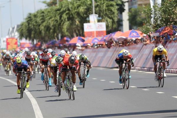 83 tay đua tham dự Giải đua xe đạp Cúp Truyền hình TPHCM