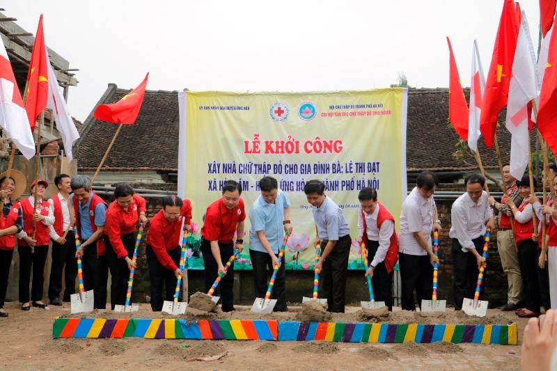 Hà Nội khởi công xây 154 nhà ở Chữ thập đỏ cho các gia đình đặc biệt khó khăn