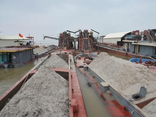 Hà Nội: Bí thư, Chủ tịch, Trưởng Công an các quận, huyện chịu trách nhiệm về tình trạng khai thác cát trái phép