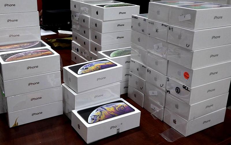 TP Hồ Chí Minh: Thu giữ lô hàng lậu iPhone trị giá hơn 4 tỷ đồng