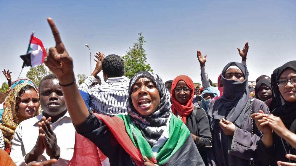 Sudan: Hội đồng Quân sự chuyển tiếp chịu nhiều sức ép từ dư luận