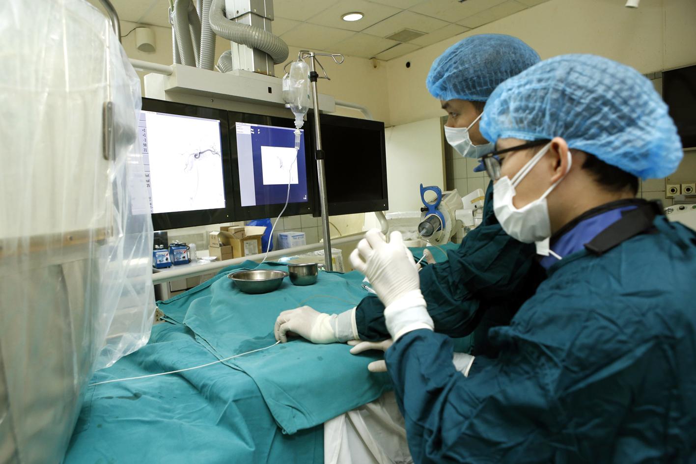 Triển khai thành công kỹ thuật nút mạch điều trị chảy máu sau sinh