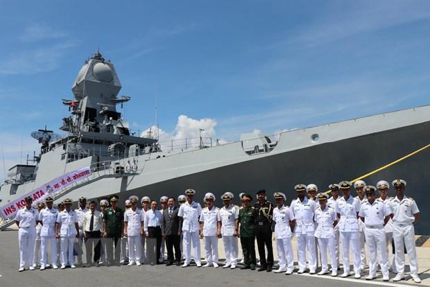 Tàu Hải quân Ấn Độ thăm xã giao Việt Nam