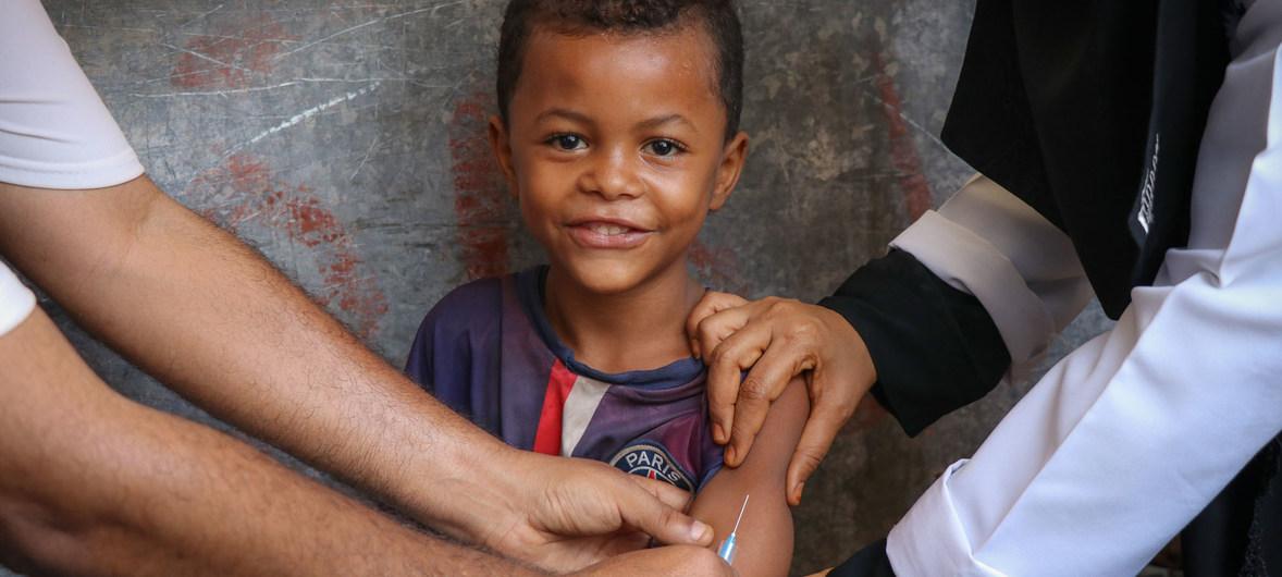 Mỗi năm thế giới có hơn 21 triệu trẻ em không được tiêm phòng sởi