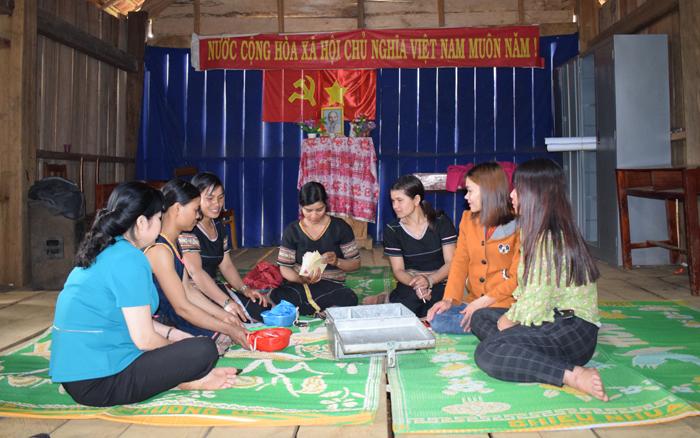 """""""Điểm tựa"""" thoát nghèo cho phụ nữ dân tộc trên miền đất xanh Kon Plông"""