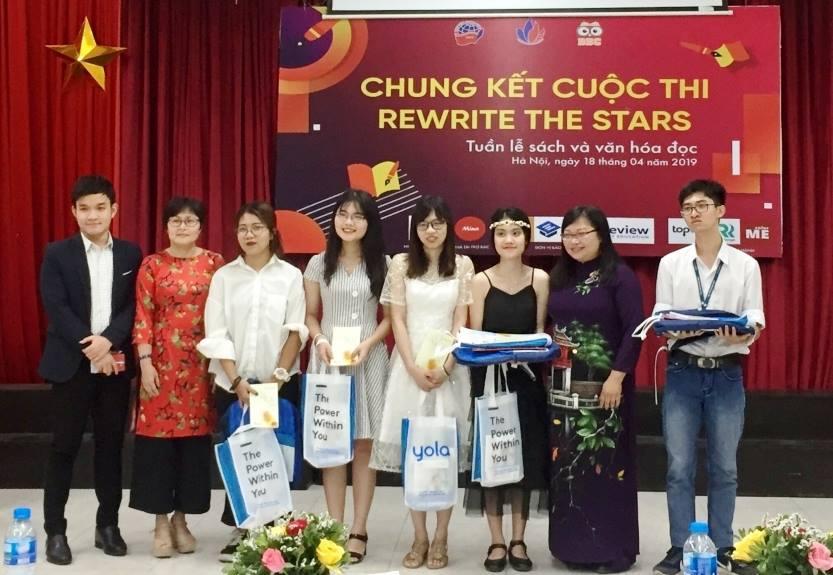 """Trao giải Cuộc thi """"Rewrite the Stars - Viết lại cái kết cho một cuốn sách"""""""