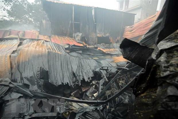 Hỏa hoạn thiêu rụi 1.600 m2 nhà xưởng tại KCN Đình Trám (Bắc Giang)