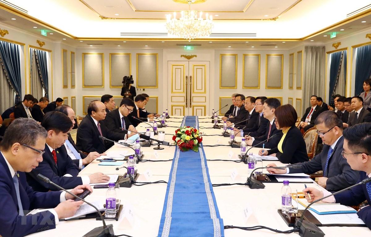 Thủ tướng gặp gỡ các doanh nghiệp hàng đầu Trung Quốc