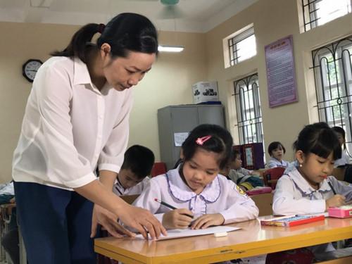 Tuyển dụng giáo viên nên giao cho ngành Giáo dục