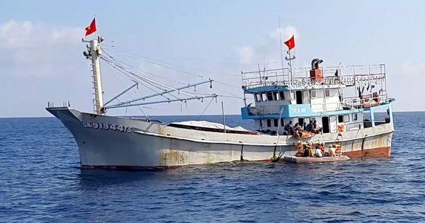 Kịp thời cứu sống bệnh nhân bị tai biến trên biển