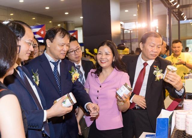 Gian hàng hút khách tại Hội chợ Vietnam Expo 2019