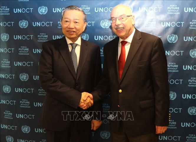 Tiếp tục hợp tác thực hiện chiến lược chống khủng bố toàn cầu