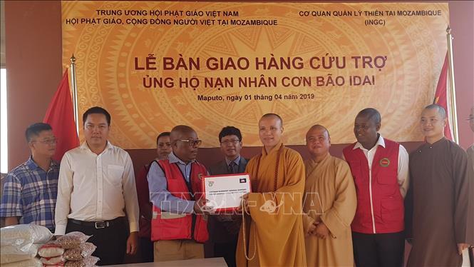 Trung ương Giáo hội Phật giáo Việt Nam trao hàng cứu trợ nạn nhân siêu bão Idai tại Mozambique
