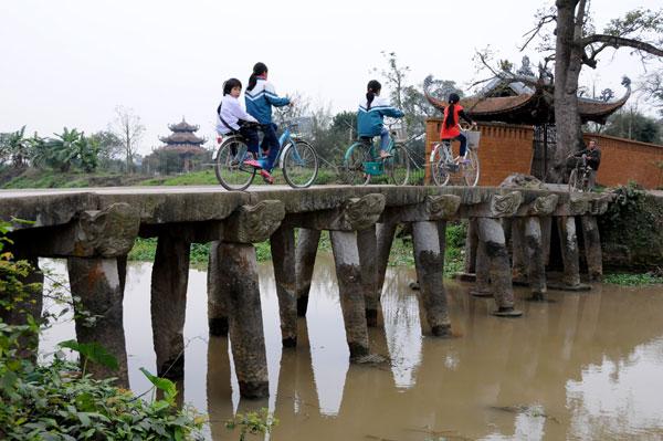 Di sản văn hóa làng Nôm