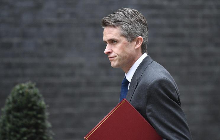 Thủ tướng Anh thay Bộ trưởng Quốc phòng