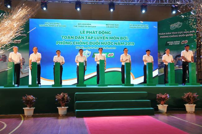 Phó Thủ tướng phát động toàn dân tập luyện bơi, phòng chống đuối nước