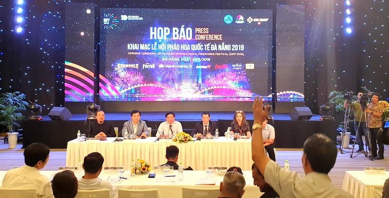 2 đội Việt Nam-Nga sẽ mở màn đêm khai mạc Lễ hội pháo hoa quốc tế Đà Nẵng 2019