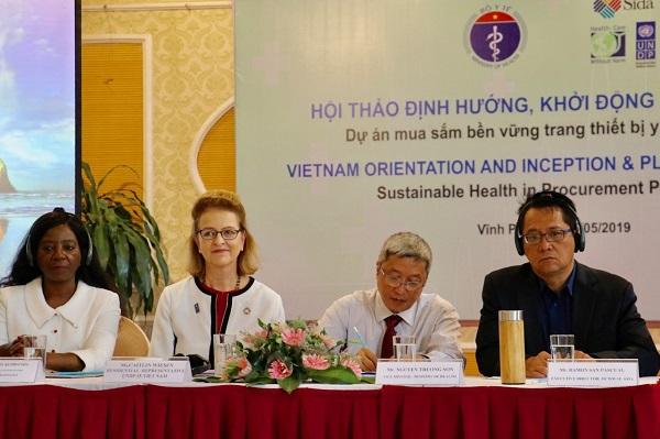 Khởi động Dự án Mua sắm Bền vững Trang thiết bị y tế