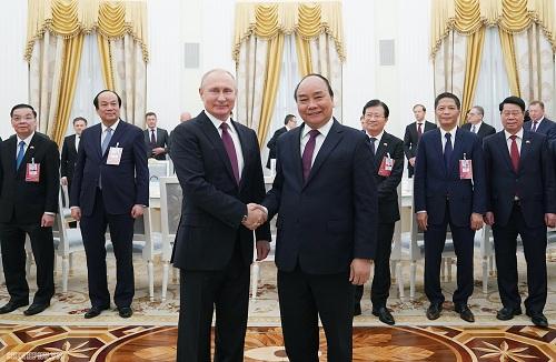 Thủ tướng Nguyễn Xuân Phúc hội kiến với Tổng thống Liên bang Nga V.V. Putin