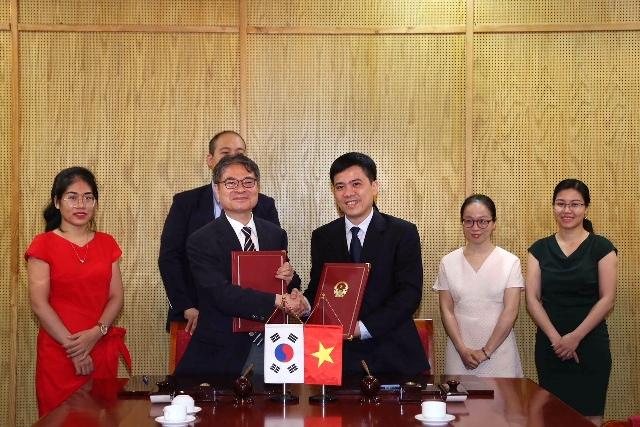 Ký kết Biên bản ghi nhớ tăng cường hỗ trợ doanh nghiệp nhà nước Việt Nam – Hàn Quốc