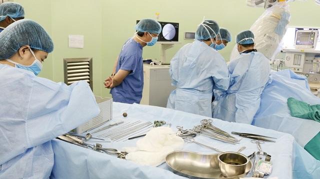 Triển khai kỹ thuật mới điều trị gãy phức tạp đầu trên xương cánh tay