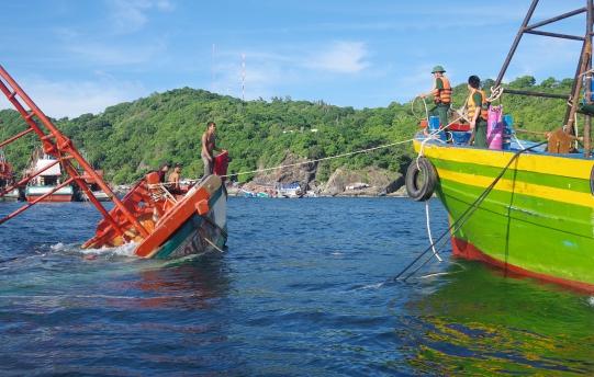 Biển cả là quê hương, ngư dân là người thân