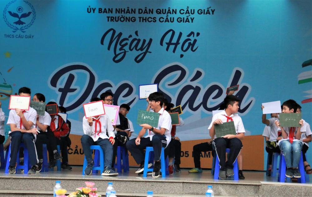 """Hơn 1000 học sinh Trường THCS Cầu Giấy (Hà Nội) háo hức tham gia """"Ngày hội đọc sách"""""""