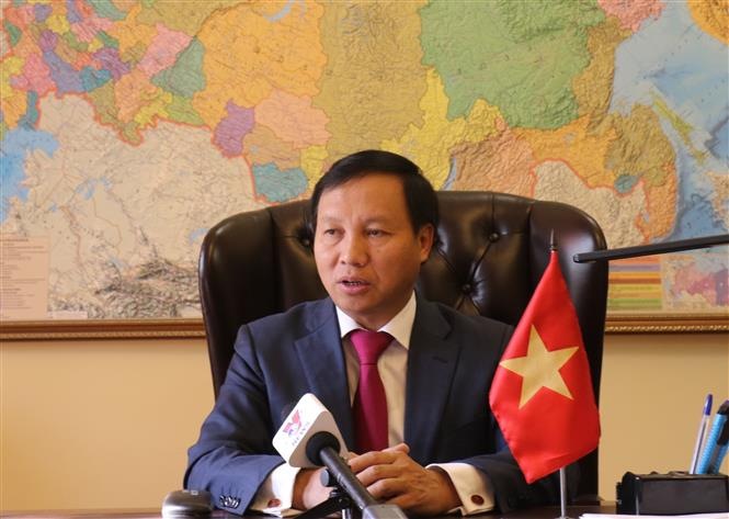Việt Nam coi trọng phát triển quan hệ đối tác chiến lược toàn diện với LB Nga